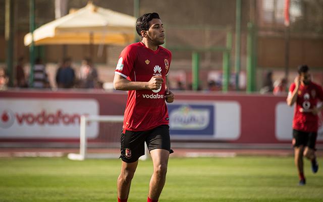 أحمد حمودي يكتفي بالجري في مران الأهلي