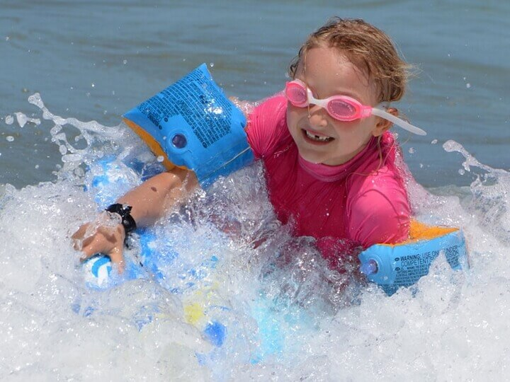Discover the best Beach Toys in Best Sellers.