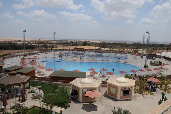 الأهلي يفتتح مجمع حمامات سباحة «زايد»
