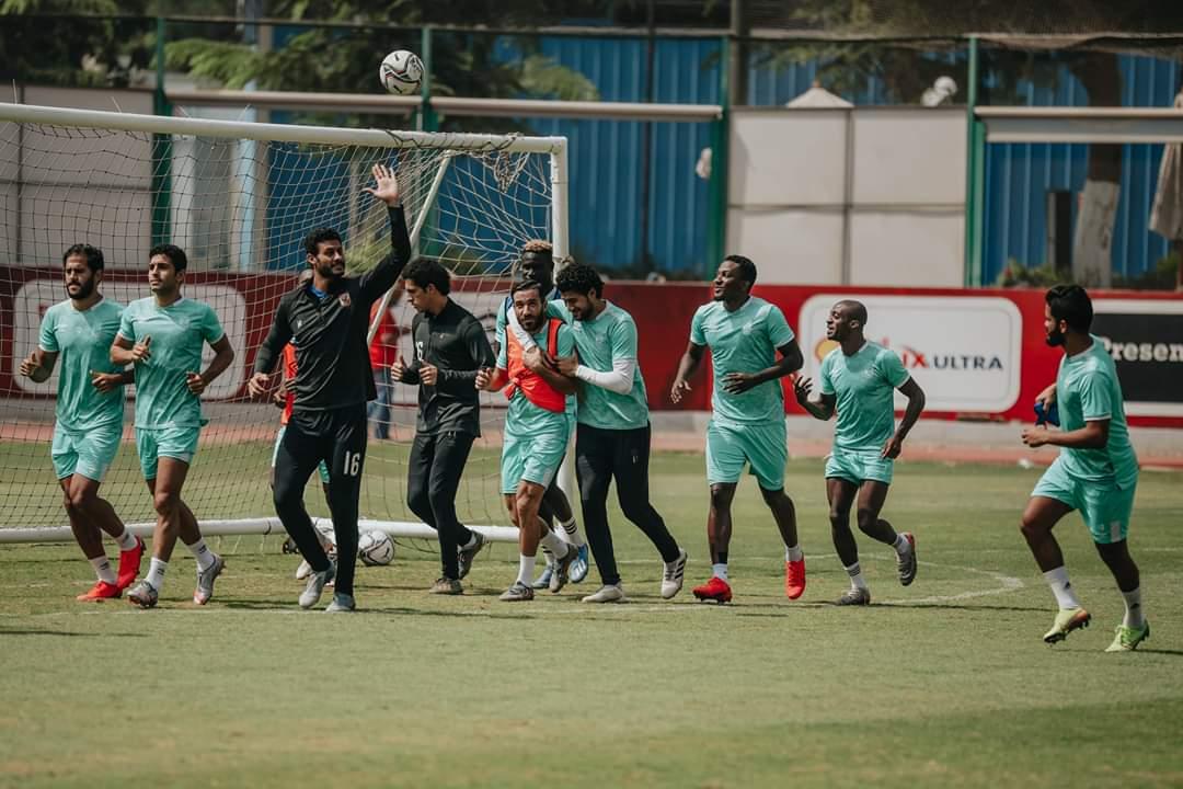 الأهلي يدخل مباراة إنبي بنقص عددي في مركز قلب الدفاع