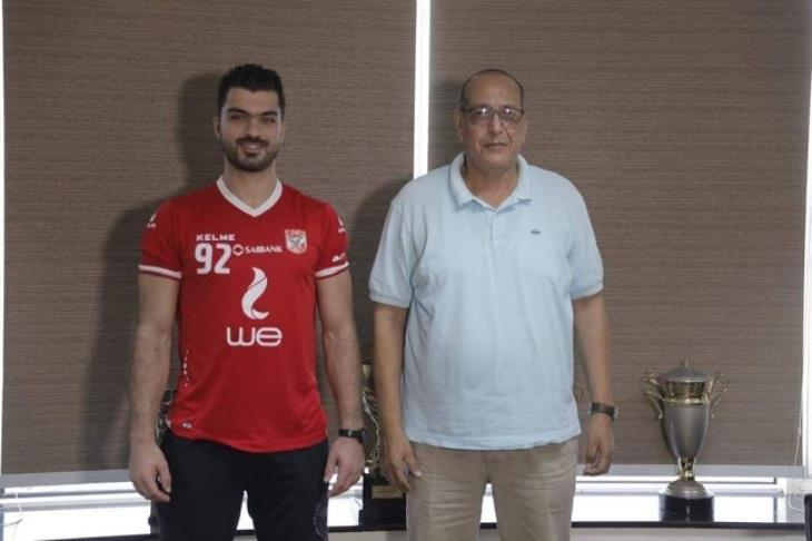 كرة اليد… الأهلي يضم التونسي اسامه الجزيري